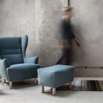 Fotel tapicerowany z podnóżkiem