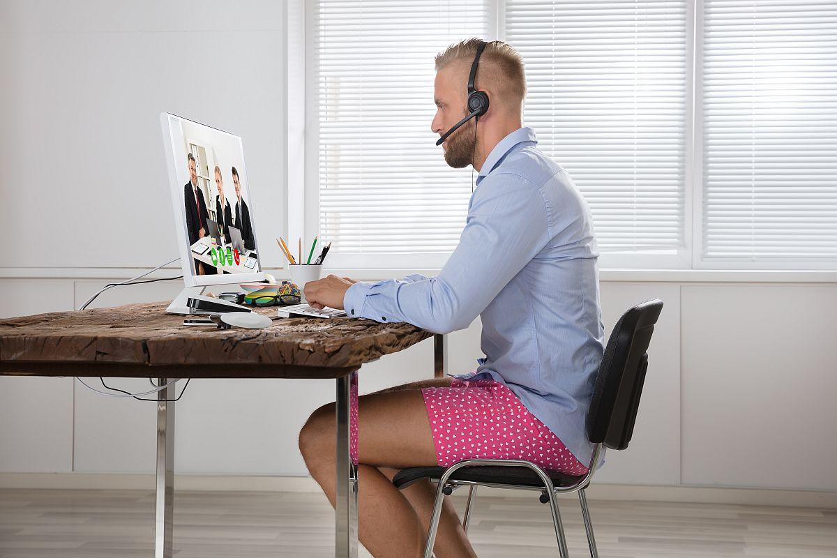 Home office – jak umeblować biuro w domu na potrzeby pracy zdalnej
