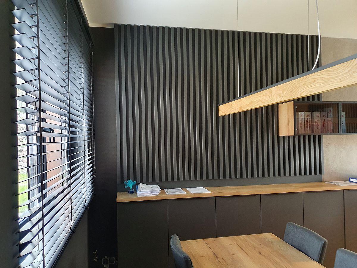 Jak zaaranżować wnętrze biura przy użyciu ściennych listew dekoracyjnych